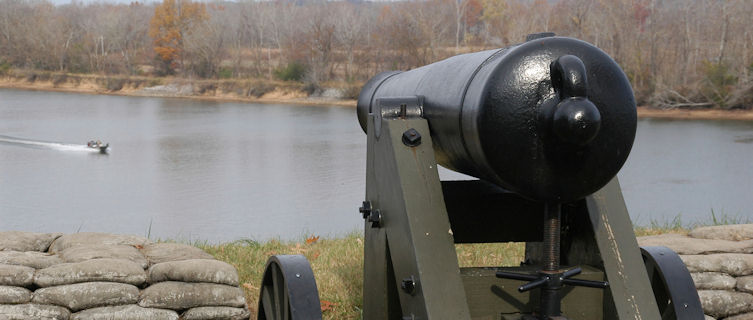 Civil War canon, Fort Donelson, Tennessee