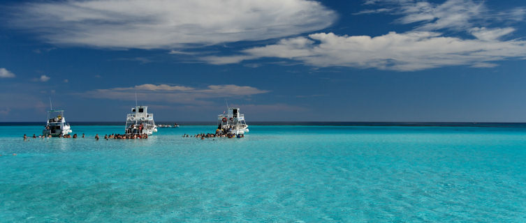 Enjoy a boat trip in the Cayman Islands