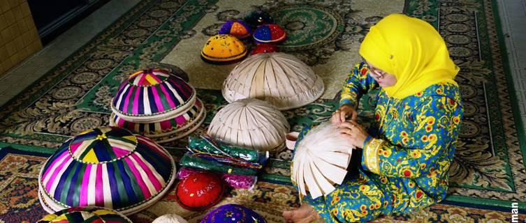 Making traditional dulang bowls, Brunei
